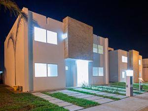 Casa modelo San Arturo Platino Los Héroes Veracruz